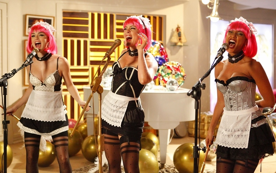 Cida (Isabelle Drummond), Rosário (Leandra Leal) e Penha (Taís Araújo) no clipe