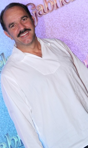 Humberto Martins será o imigrante árabe Nacib, dono do Vesúvio, o bar mais conhecido de Ilhéus. Ele escolherá Gabriela (Juliana Paes) como sua cozinheira e levará a jovem para morar em sua casa (21/5/12)