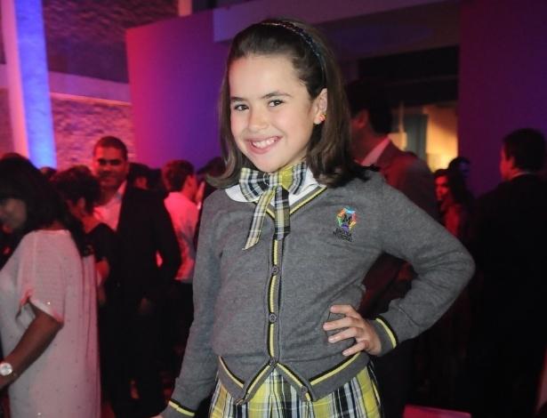 Maísa vai à festa em São Paulo para assistir ao primeiro capítulo da refilmagem, produzido pelo SBT (21/5/12)
