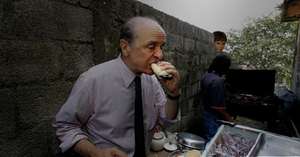 Assim como riu muito ao ver José Serra comendo churrasquinho