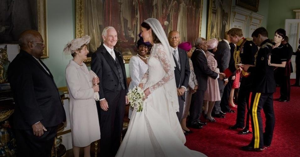 Nina levou sua experiência como serviçal para o casamento do príncipe William com Kate Middleton