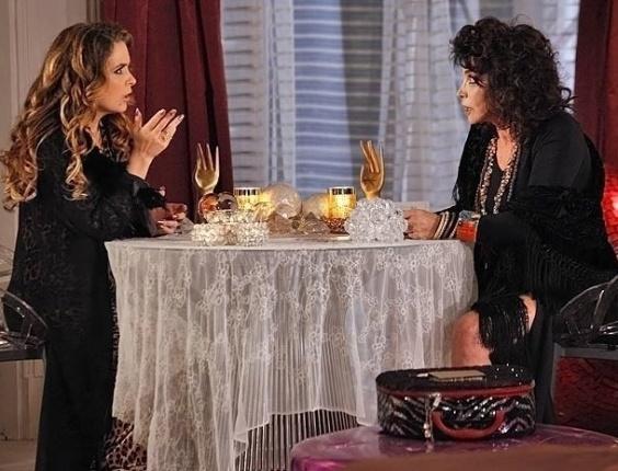 """Cláudia Abreu e Lady Francisco em cena de """"Cheias de Charme"""" (2/6/2012)"""