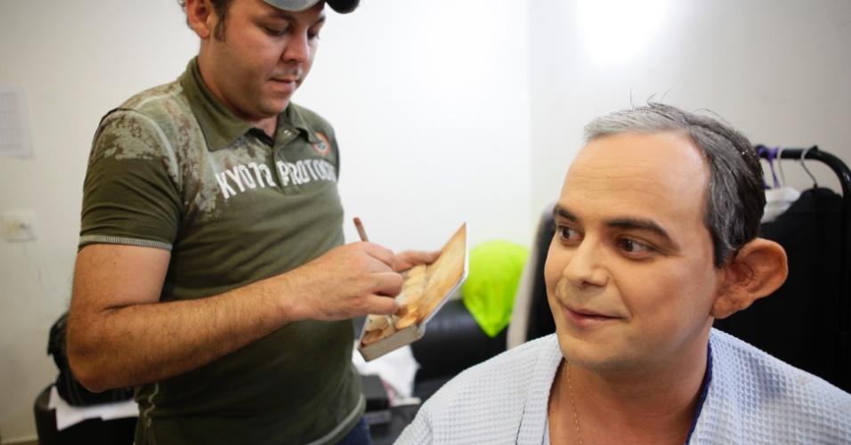 O crítico de TV do UOL Maurício Stycer acompanhou os bastidores do quadro de Carioca do programa Pânico na Band nesta quinta (31/5/2012)