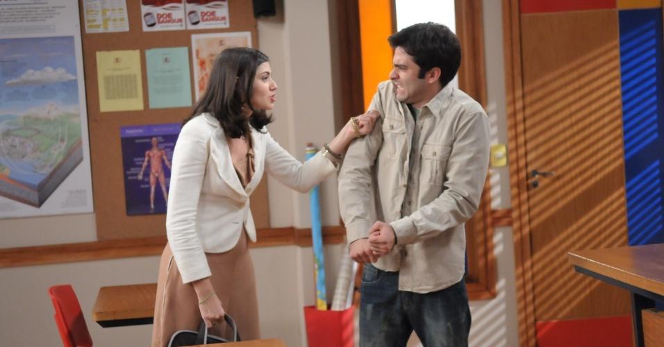 """Em """"Rebelde"""", Marcelo tenta se reconciliar com Cris"""