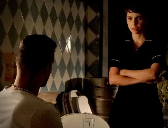 """Em """"Avenida Brasil"""", Nina diz a Jorginho que não revelou que Carminha era sua mãe biológica para protegê-lo (12/6/12)"""