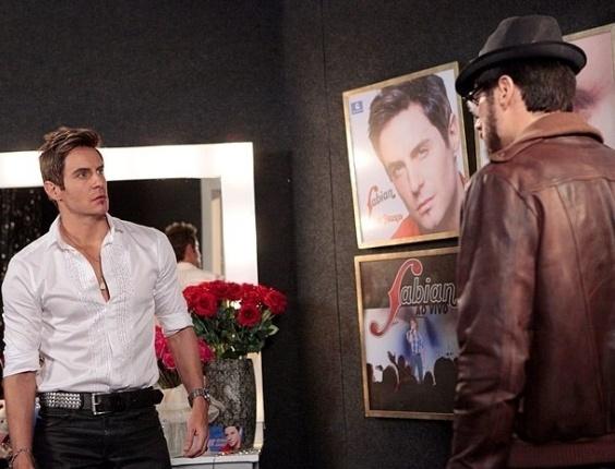 """Em """"Cheias de Charme"""", Inácio vê Fabian se declarando para Rosário e ameça bater no cantor (13/6/12)"""