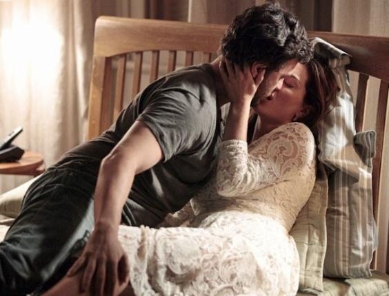"""Gabriel Braga Nunes e Mayana Neiva em cena de """"Amor Eterno Amor"""" (15/6/2012)"""