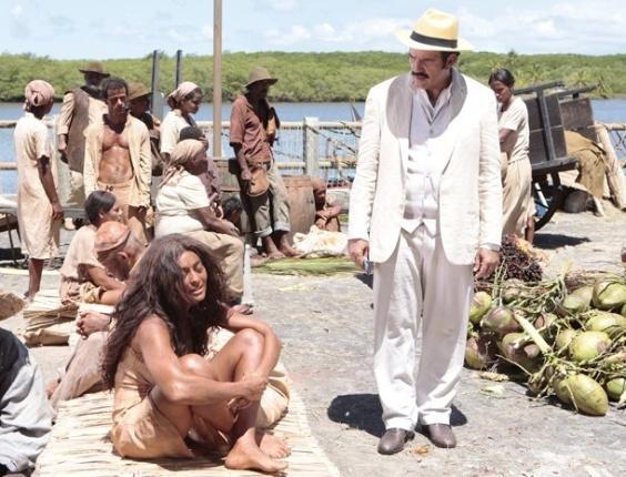 """Em """"Gabirela"""", Gabriela e Nacib se veem pela primeira vez no antigo mercado de escravos"""