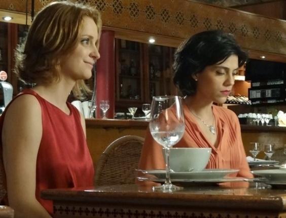"""Miriam (Letícia Persiles) e Priscila (Laila Zaid) em cena de """"Amor Eterno Amor"""" (18/6/12)"""