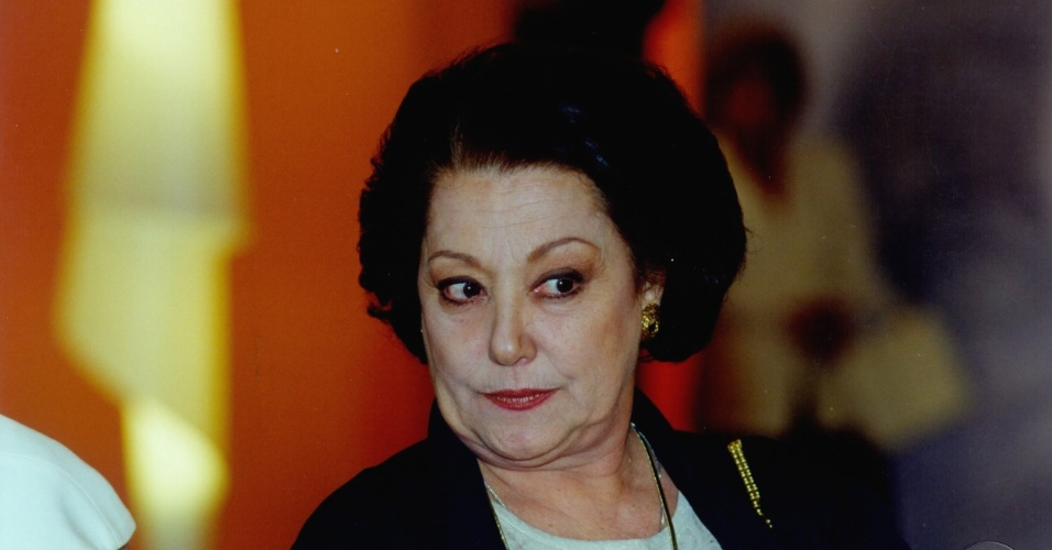 """Suely Franco em cena de """"Torre de Babel"""" (1998)"""