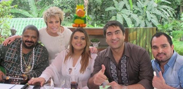 Arlindo Cruz, Ana Maria Braga, Preta Gil, Zeca Camargo e Luciano no programa