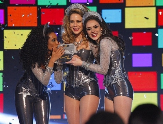 """Em """"Cheias de Charme"""", Empreguetes ganham prêmio (25/6/12)"""