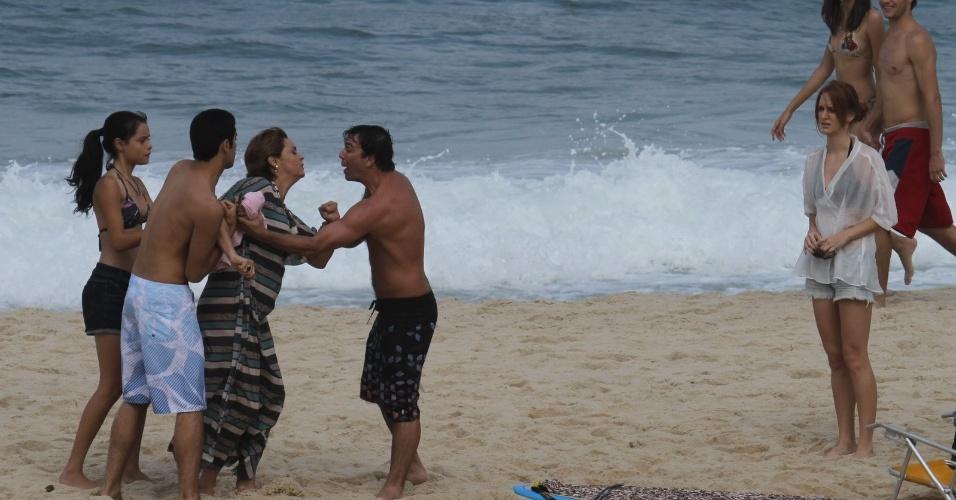 """Suzy Rêgo, Marcelo Faria e Laila Zaid gravaram cenas de """"Amor Eterno Amor"""" na praia do Pepino, zona sul do Rio (25/6/12)"""