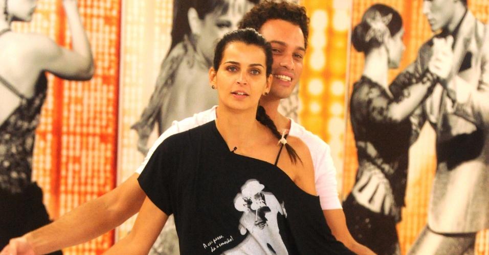 """A modelo Fernanda Motta e Fábio Carvalho participarão da repescagem da """"Dança dos Famosos"""" 2012, neste domingo (1/7/12)"""