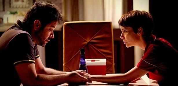"""Em """"Avenida Brasil"""", Tufão conta para Nina que matou o pai dela (28/6/12)"""