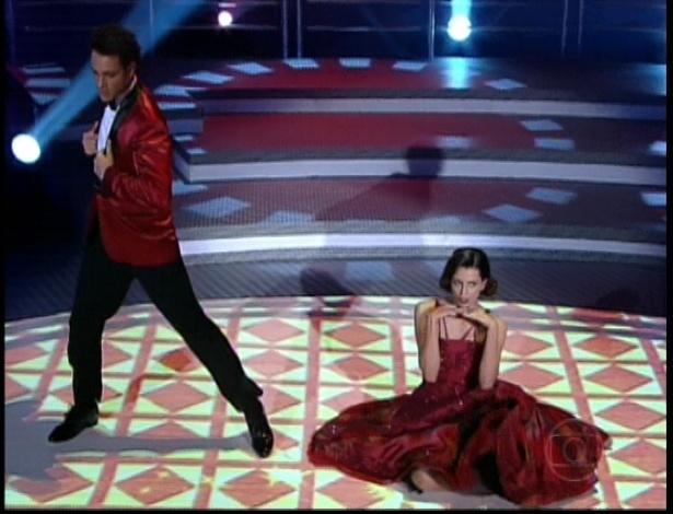 """Fernanda Motta e Fábio Carvalho dançam """"The Lady Is a Tramp"""" de Frank Sinatra na repescagem da """"Dança dos Famosos"""" (1/7/12)"""