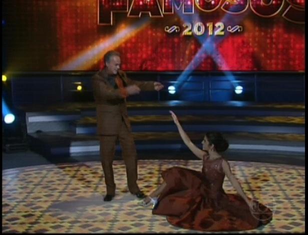 """Kadu Moliterno e Daniele De Lova dançam """"You Make Me Feel So Young"""" de Frank Sinatra na repescagem da """"Dança dos Famosos"""" (1/7/12)"""