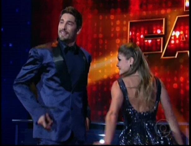 """Victor Pecoraro e Leticia Weiss dançam """"Come Fly with Me"""" de Frank Sinatra na repescagem da """"Dança dos Famosos"""" (1/7/12)"""