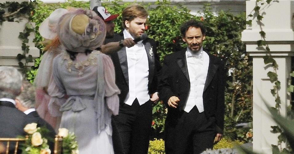 Com cabelo liso, Thiago Fragoso grava cenas da nova novela das seis em Petrópolis, no Rio de Janeiro (26/6/12)