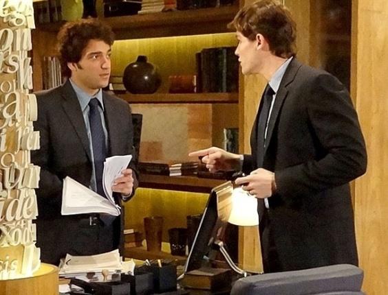 """Em """"Cheias de Charme"""", aproveitador, Conrado manda Elano fazer seus trabalhos (3/7/12)"""
