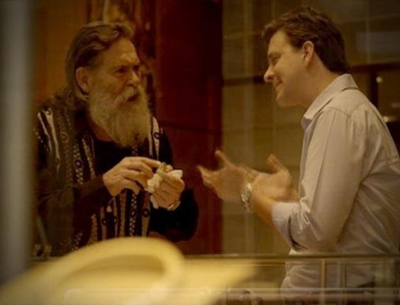 """Em """"Avenida Brasil"""", Nilo descobre que anel de brilhantes dado por Carminha não vale nada (7/7/2012)"""