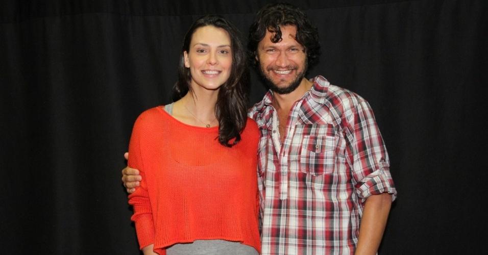 """Camila Rodrigues e Vitor Hugo participaram do workshop para a minissérie """"José - De Escravo a Governador"""" no RecNov, complexo de estúdios da Record, no Rio (9/7/12)"""