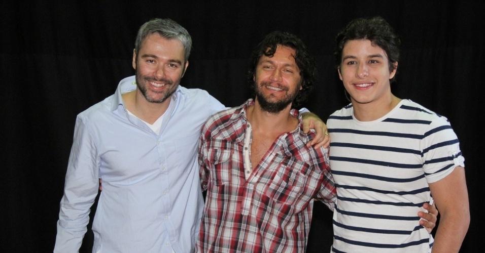 """Os atores Ângelo Paes Leme, Vitor Hugo e Ricky Tavares no workshop de """"José - De Escravo a Governador"""", no Rio (9/7/12)"""