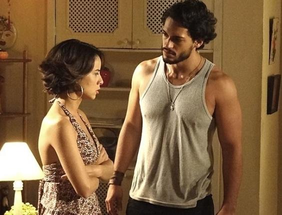 """Andréia Horta e Raphael Viana em cena de """"Amor Eterno Amor"""" (12/7/2012)"""