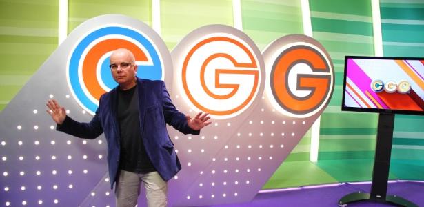 """Marcelo Tas no cenário do """"Conversa com Gente Grande"""" (13/07/2012)"""