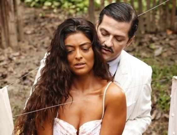 """Em """"Gabriela"""", Tonico invade a casa de Nacib e dá em cima de Gabriela (17/7/12)"""