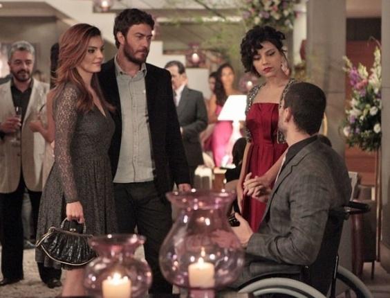 Fernando sugere que ele e Miriam sejam  padrinhos de casamento de Rodrigo e Elisa (17/7/12)