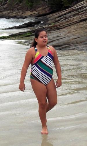 """Ana Karolina Lannes no bastidor da gravação de """"Avenida Brasil"""" que aconteceu nesta quarta em Cabo Frio, região dos lagos do Rio (18/7/12)"""