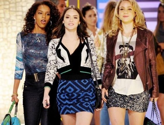 """Em """"Cheias de Charme"""", Cida faz compras na Galerie e exige ser atendida por Sônia (19/7/12)"""