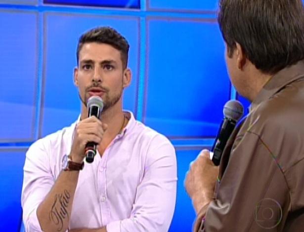 Cauã Reymond participa do Domingão do Faustão (22/7/12)