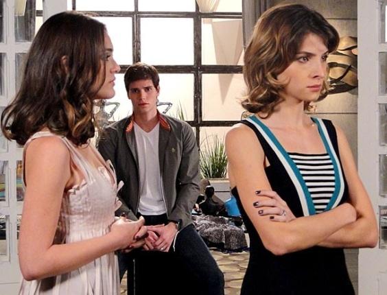 """Em """"Cheias de Charme"""", Conrado admira Cida e dá fora em Isadora  (23/7/12)"""