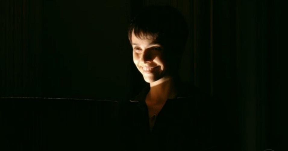 Nina (Débora Falabella) supreende Carminha (Adriana Esteves) na mansão (23/7/12)