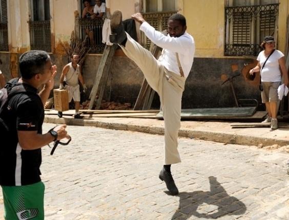 Lázaro Ramos interpreta o capoeirista Zé Maria na nova novela das seis