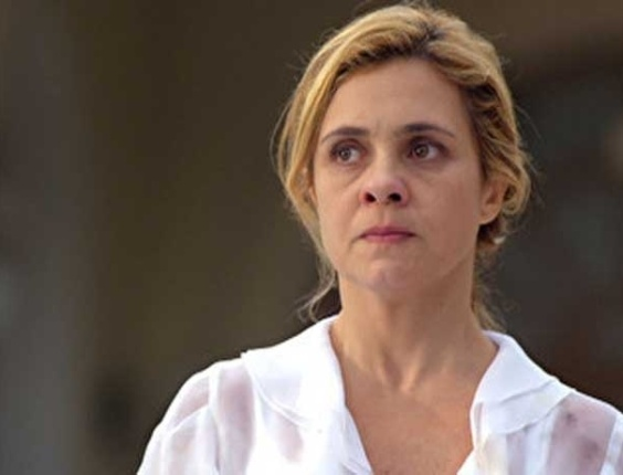 "Em ""Avenida Brasil"", Carminha acusa Lucinda de ser cúmplice de Nina (26/7/12)"