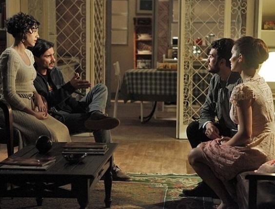 Rodrigo autoriza que Pedro leve a carta de Angélica para um perito analisar (27/7/12)