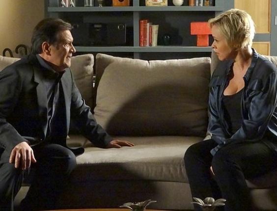 """Em """"Amor Eterno Amor"""", Dimas vai até Laura e pede ajuda para se aproximar de Priscila (31/7/12)"""