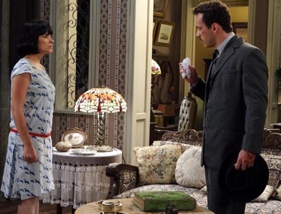 """Em """"Gabriela"""", Malvina leva um susto ao descobrir que seu futuro noivo é Berto (3/8/12)"""