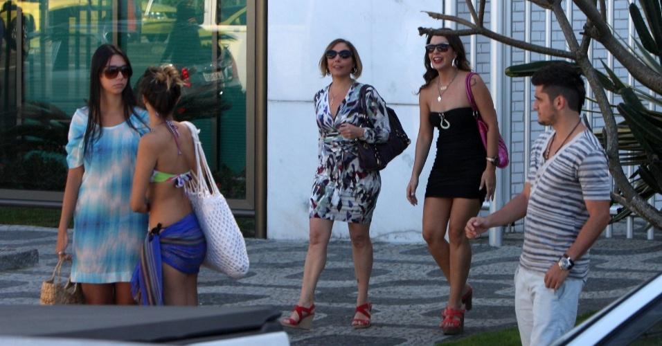 """Fabíula Nascimento, Bruno Gissoni e Heloísa Perrisé gravam cena de """"Avenida Brasil"""" (8/8/12)"""