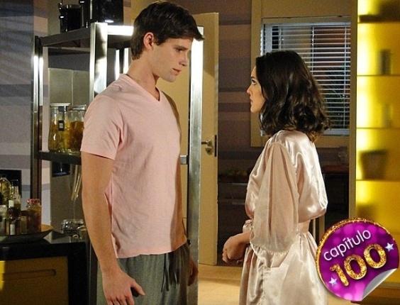 """Em """"Cheias de Charme"""", Conrado pede mais uma chance para Cida, que fica balançada (9/8/12)"""