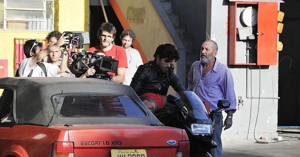A trilha sonora da série é do cantor Ed Motta com participação de André Mehmari