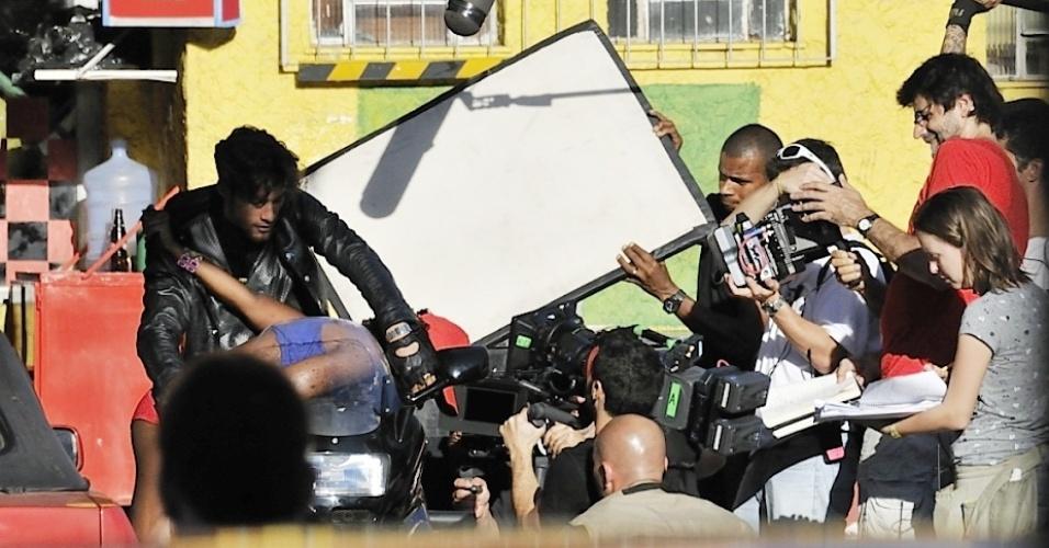 """""""Suburbia"""" é o novo projeto do diretor Luiz Fernando Carvalho e do escritor Paulo Lins, autor dos livros """"Cidade de Deus"""" e """"Desde que o samba é samba"""""""