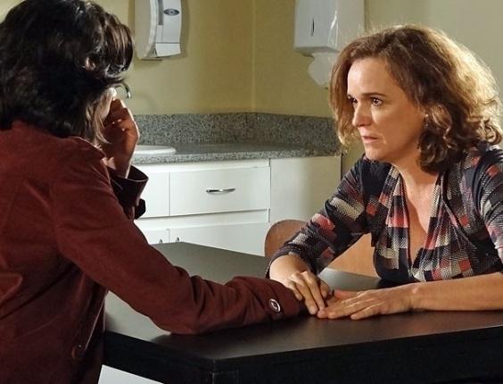 """Letícia Persiles e Sandra Corveloni em cena de """"Amor Eterno Amor"""" (13/8/2012)"""