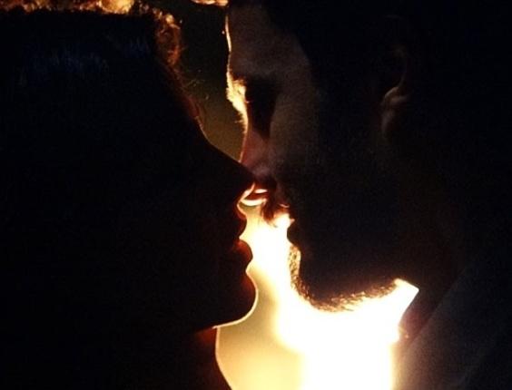 """Em """"Amor Eterno Amor"""", Rodrigo sonha com Miriam e os dois se beijam (15/8/12)"""