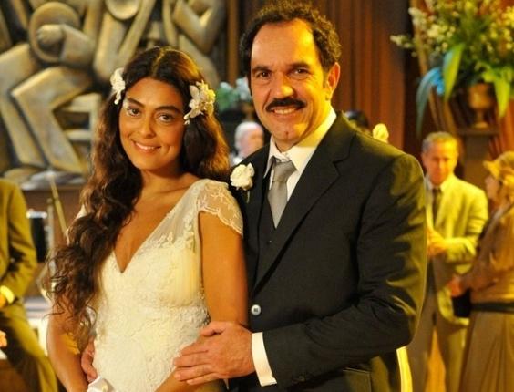 Na segunda versão, Gabriela (Juliana Paes) se casa com Nacib (Humberto Martins) de branco (2012)