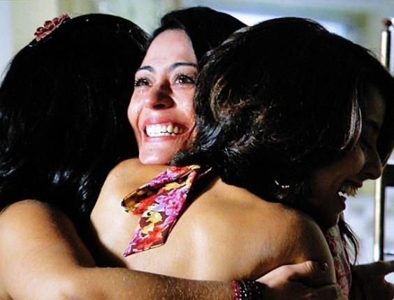 """Em """"Amor Eterno Amor"""", Jacira conta para Valéria e Gracinha que está grávida  (16/8/12)"""