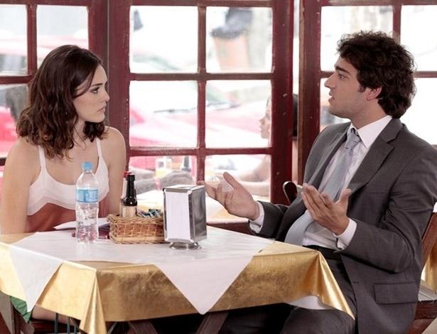 """Em """"Cheias de Charme"""", Cida e Elano discutem sobre plano de vingança contra as Sarmentas (18/8/2012)"""
